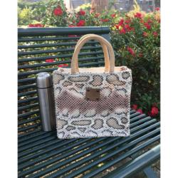 Handgemaakte handtas slangenprint roze